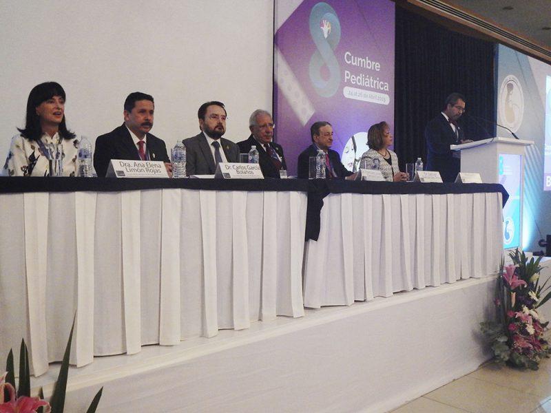 8a-Cumbre-Pediatrica-Sociedad-Mexicana-Pediatria-_0006_presidium 8a Cumbre SMP 003
